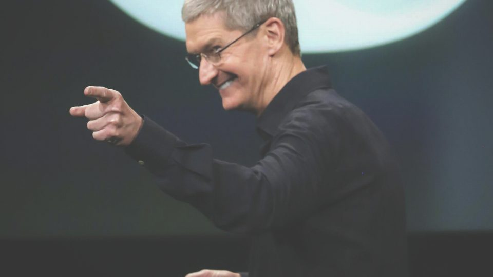 Apple: noi vi fottiamo ma all'utente piace